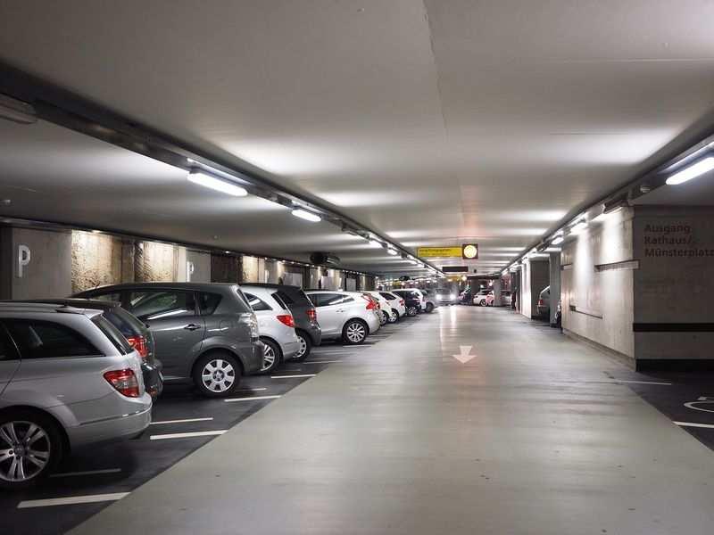 Nowoczesny parking Balice