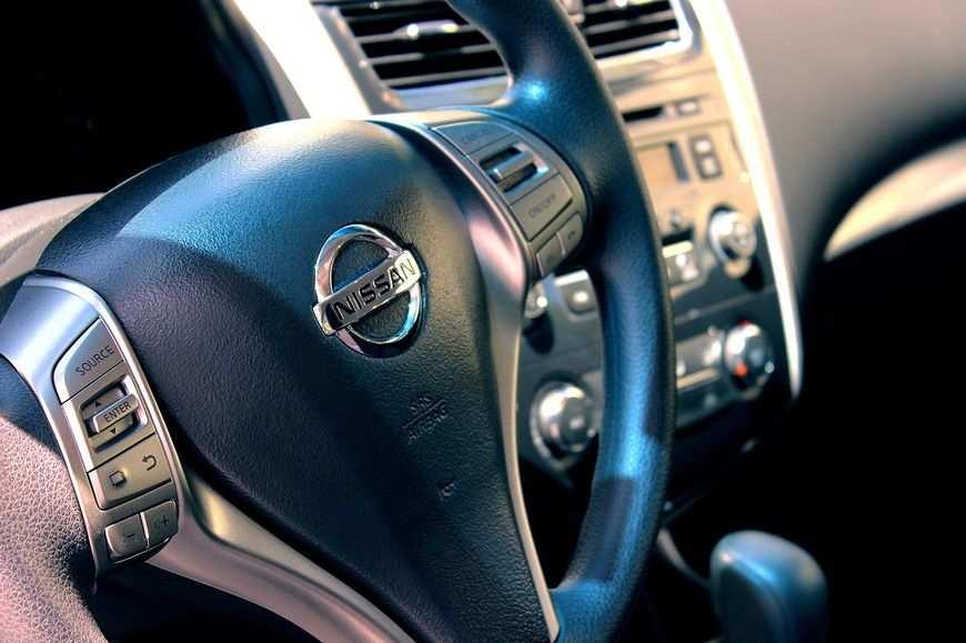Jak dbać o silnik samochodu – tec 2000