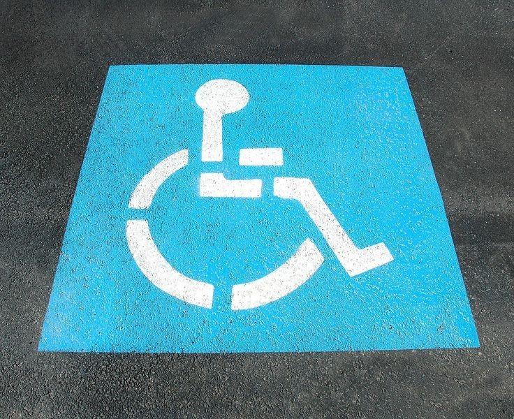 Na co zwrócić uwagę, wybierając wózek inwalidzki?